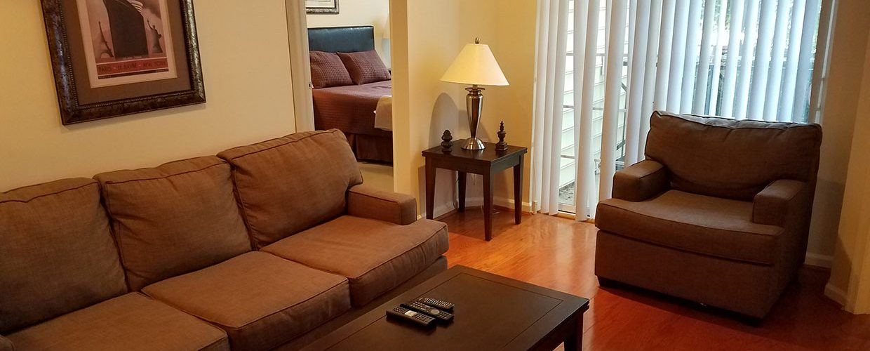 fully furnished apartment with wifi and cable tv